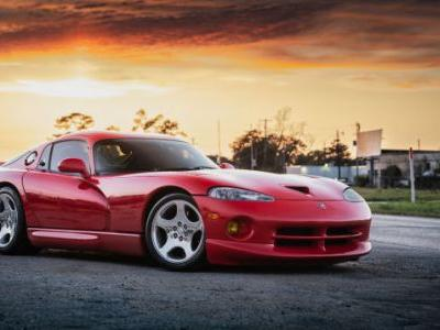 Your Ridiculously Awesome Dodge Viper Wallpaper Is Here