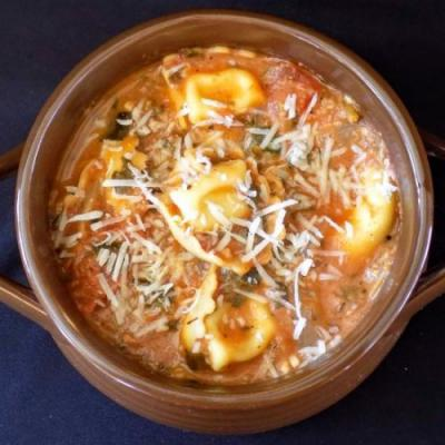 One Pot Tortellini Soup
