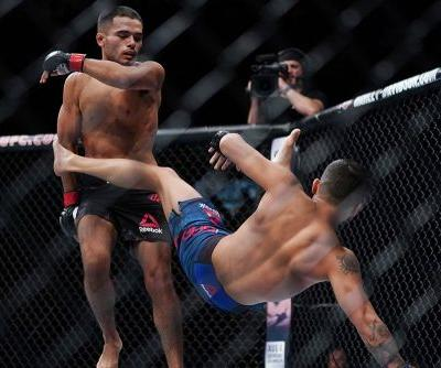 Watch Mark De La Rosa's airplane spin at UFC Boise that actually worked