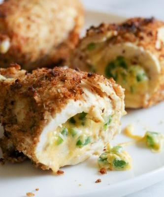 Cheesy Jalapeño Popper Baked Stuffed Chicken