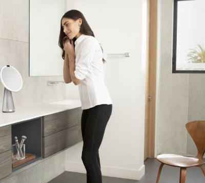 Simplehuman smart mirror supports Google Assistant and more