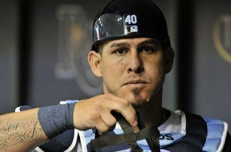 AP source: Mets sign C Wilson Ramos to 2-year deal