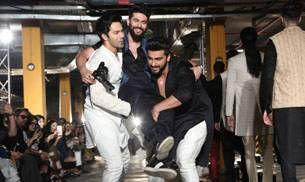 Varun Dhawan, Arjun Kapoor's reunion on the LFW ramp was one big party