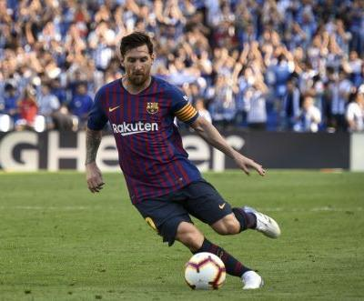 With new kickoff times, Barcelona opens Champions League