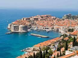 Dubrovnik receives 800,000 tourists; mass tourism threatens