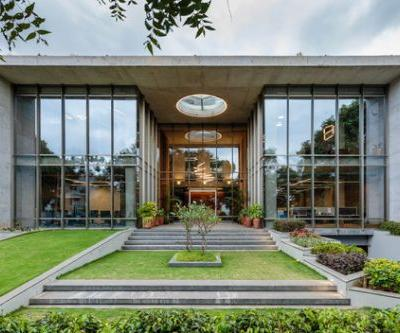 INVESTRIBE Office Building / Living Edge Architects and Designers