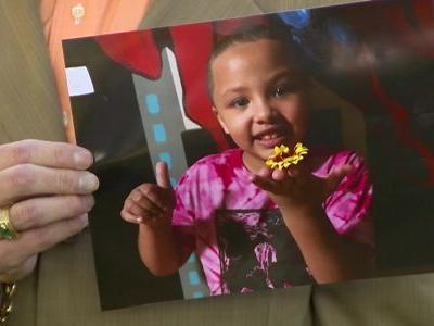 Mom claims 7-year-old daughter's head shaved without permission