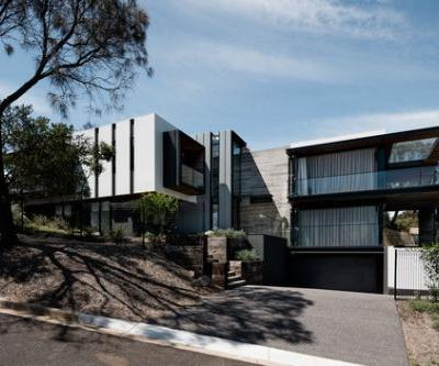 Two Angle House / Megowan Architectural