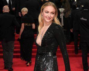 BAFTAs 2017: GoT's Sophie Turner *Almost* Flashes On The Red Carpet