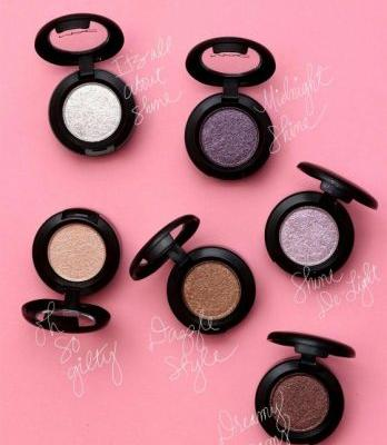 MAC Supernatural Dazzle: Dazzleshadows in It's All About Shine, Shine De-Light, Oh So Gilty, Dazzle Style, Dreamy Beams and Midnight Shine
