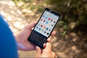 Update in Google Play Store will make BlackBerry's virtual QWERTY more helpful
