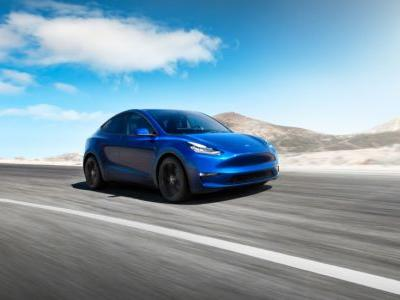 At a quick Los Angeles event, Tesla announces the 300-mile-range Model Y