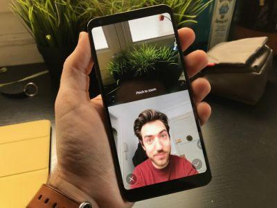 The LG G6 has a built-in Frontback feature