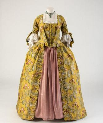 Robe a la francaise1760sFashion Museum Bath