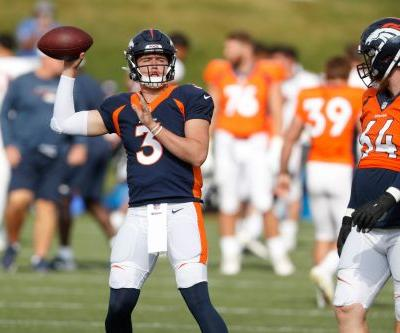 Drew Lock leaves with right hand injury against 49ers