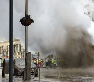 A steam pipe explosion on NYC's iconic 5th Avenue prompts evacuation of 28 buildings and asbestos warning