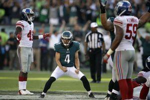 Undisciplined Giants are winless after sloppy loss to Eagles