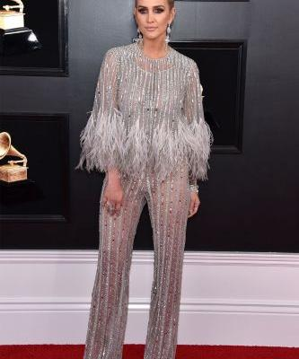 Ashlee Simpson Just Nailed 2019's Biggest Trend on the Grammys Red Carpet