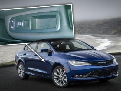 The Most Pathetic Manufacturing Defect I've Ever Seen in a New Car Was in a Chrysler 200