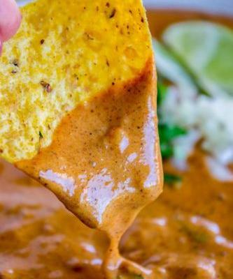16 Slow-Cooker Queso Dips So Sexy, I Could Cry