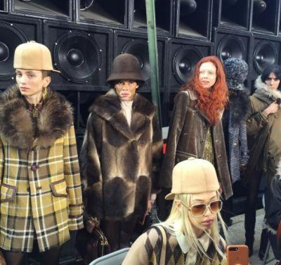 Marc Jacobs asks show guests not to post on social media