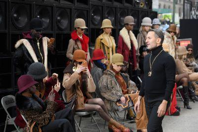 Marc Jacobs's Spare, Silent Runway Show Made the Loudest Impact of Fashion Week