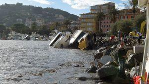 29 killed in Italy's flooding, high winds and lightning strikes wreaks havoc