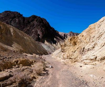 Arizona congressional aide dies, wife rescued in Death Valley National Park