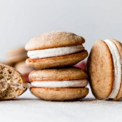 Apple Cinnamon Spice Whoopie Pies