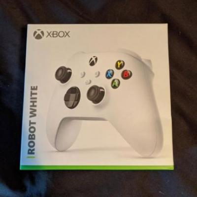Xbox Series S Confirmed in Leaked Controller Packaging