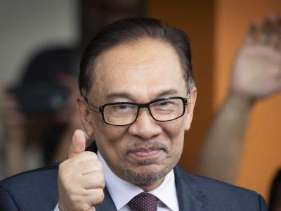Malaysia's Anwar to make political comeback in by-election
