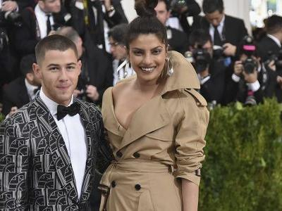"Nick Jonas Totally Broke the Bank With Priyanka Chopra's ""Timeless"" Engagement Ring"