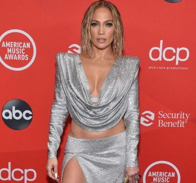 I'm Losing It Over These Red Carpet Looks From The American Music Awards