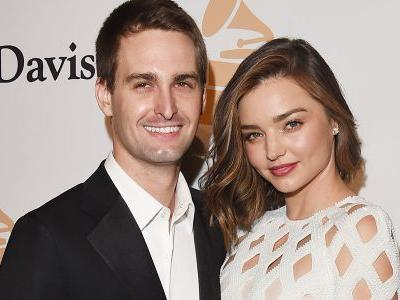 Miranda Kerr Pregnant - Expecting First Child With Snapchat Billionaire Hubby Evan Spiegel