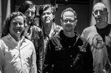 Gin Blossoms Cover Radiohead's 'Fake Plastic Trees': Watch