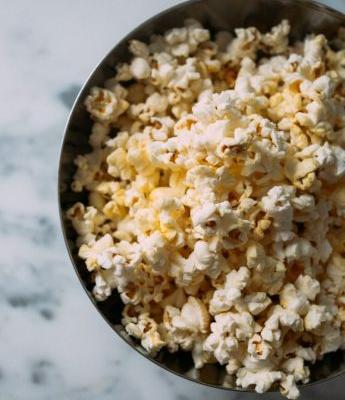 Red Carpet-Ready Popcorn and Wine Pairings for an Oscars Viewing Party
