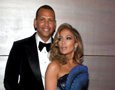 Jennifer Lopez's Massive Engagement Ring 'Could Easily' Be Worth Over $1 Million