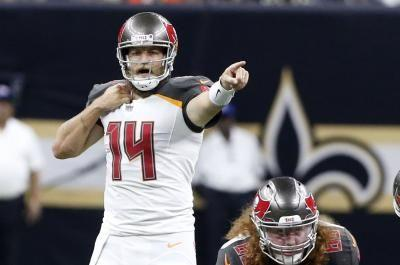 Tampa Bay Bucs' Fitzpatrick, Kansas City Chiefs' Mahomes earn NFL weekly honors