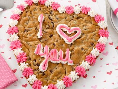 Mrs. Fields' Heart-Shaped Valentine's Day Cookie Cakes Are Here To Make You Swoon