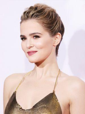 12 of Zoey Deutch's All-Time Best Beauty Looks