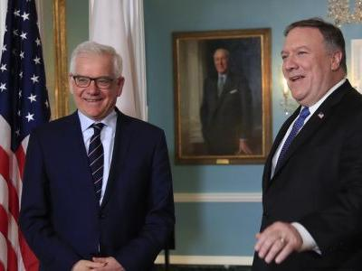 With Mideast meeting, Poland woos Trump but risks other ties