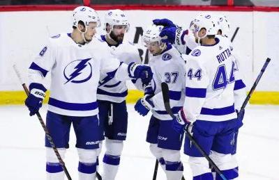 Gourde scores twice as Lightning top Sens for 60th win of season