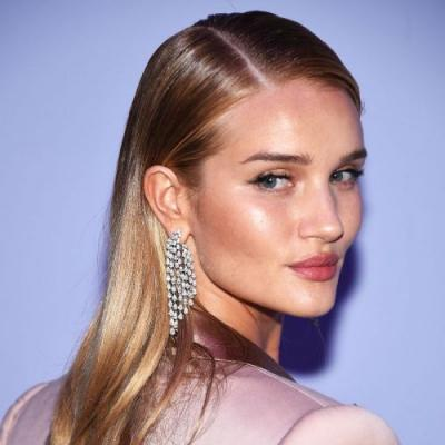 Rosie Huntington-Whiteley Is Maybe, Possibly Coming Out With a Makeup Line