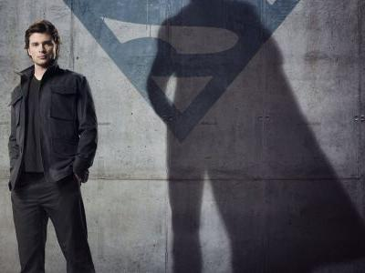 Smallville: 10 Things Superman Was Probably Up To Before Crisis Crossover