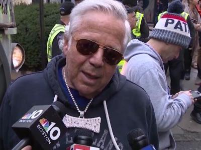 Patriots owner Robert Kraft issues public apology