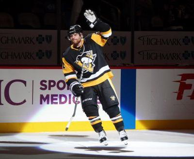 Phil Kessel traded to Arizona Coyotes; Pittsburgh Penguins get Alex Galchenyuk, cap space
