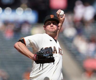 Giants pitchers McGee, Webb go on IL after getting vaccine