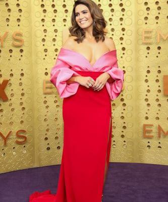 Mandy Moore's Emmys Look Totally Channels Her 'This Is Us' Character