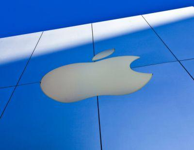 Apple hits Qualcomm with $1 billion lawsuit over patent royalties