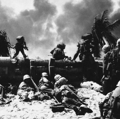 74 years ago, US Marines waded into 'the toughest battle in Marine Corps history' - here are 25 photos of the brutal fight for Tarawa